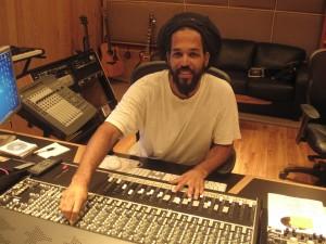 """Laurent """"Tippy"""" Alfred i sin studio på St Croix"""